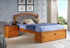 Orleans pecan Platform Bed